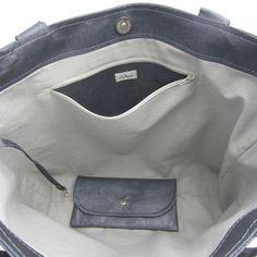 TUTO GRATUIT! le tutoriel de la poche zippée à mettre dans un sac ou bien dans un porte feuille Sacs Tote Bags, Diy Tote Bag, Diy Purse, Diy Sac, Diy Bags Purses, Running Belt, Sewing Lessons, Sewing Tips, Couture Sewing