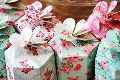 Pink-lemons flower favour box