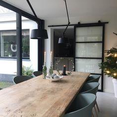 binnenkijken bij wonenbydjo #interieurinspiratie #homedeconl Pinterest Home, Rustic Home Design, Dining Room Inspiration, Open Plan Living, Interior Design Living Room, Home Kitchens, Decor Styles, New Homes, House Design