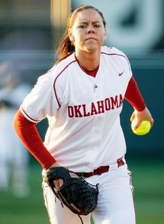 Keilani Ricketts is in New York City tonight to attend the 33rd Annual Salute to Women in Sports and she's up for Team Sportswoman of the Year!     Let's all wish her luck on this great honor     http://www.soonersports.com/sports/w-softbl/spec-rel/101612aaa.