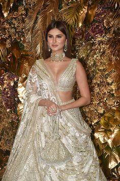 Indian Fashion Modern, Indian Bridal Fashion, Indian Bridal Wear, Indian Wedding Outfits, Bridal Outfits, Ethnic Fashion, Indian Outfits, Indian Celebrities, Bollywood Celebrities