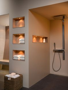 photo Ceramic niches available in 18 different glazes Washroom Design, Bathroom Design Luxury, Modern Bathroom Design, Home Room Design, Dream Home Design, Home Interior Design, Hotel Lobby Design, Minimalist Home Interior, Bathroom Inspiration