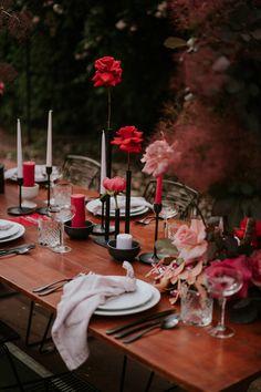 Budget Wedding Dress, Low Budget Wedding, Wedding Decorations On A Budget, Table Decorations, Wedding Dinner, Our Wedding, Floral Wedding, Wedding Colors, Modern Centerpieces