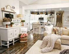 Fantastic modern french country decor are offered on our internet site. Read more and you wont be sorry you did. French Country Rug, French Country Kitchens, French Country Living Room, French Decor, French Country Decorating, Hygge, Home Living Room, Living Room Decor, Shabby Chic Homes
