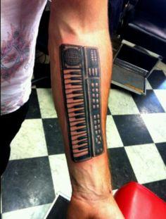 Keyboard tattoo Dj Tattoo, Body Art Tattoos, Sleeve Tattoos, Cool Tattoos, Awesome Tattoos, Body Mods, Keyboard, Tattoo Ideas, Heroines