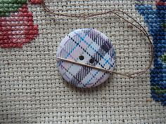 Never lose a needle again! This beautiful purple/blue plaid needle minder is made with wooden buttons and strong magnets! The back magnet has Needle Minders, Blue Plaid, Magnets, Strong, Buttons, Purple, Beautiful, Viola, Knots
