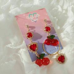 Image in accessories👑💍 collection by Zahraa A. Kawaii Jewelry, Cute Jewelry, Jewelry Accessories, Accesorios Casual, Cute Earrings, Ear Piercings, Peircings, Girly, Bling
