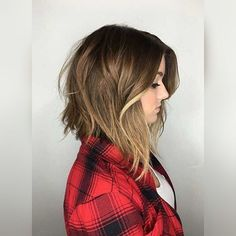 "Gefällt 146 Mal, 1 Kommentare - Laire Lightner (@thelairelightner) auf Instagram: ""Love this long angled bob! #longbob #longbobhair #longbobcut #hair #haircut #newhair #hairstyle…"""