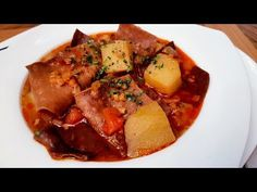 Lebbencsleves / Szoky konyhája / - YouTube Thai Red Curry, Success, Ethnic Recipes, Youtube, Food, Hoods, Meals, Youtubers