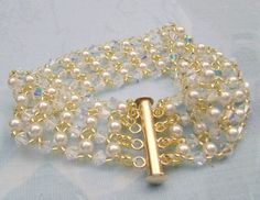 Crystal and glass pearl bracelet