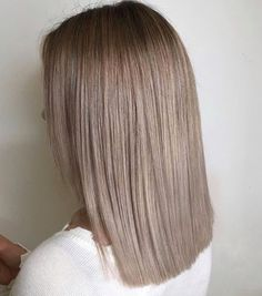 Best Picture For ash blonde balayage grey For Your Taste You are looking for something, and it is go Dark Blonde Hair Color, Ash Blonde Balayage, Blonde Hair Looks, Brown Blonde Hair, Hair Color And Cut, Ashy Blonde, Hair Highlights, Ombre Hair, Gorgeous Hair