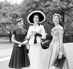 Margot Fonteyn at fashion show, London 1955 - Mirrorpix Prints - Easyart.com