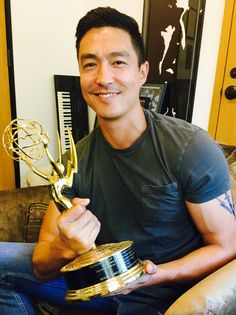 LOVE this pic so muchhhh <3 <3 <3 <3 <3 <3 <3 <3 <3 <3 He totally deserves that Emmy. Can't wait for that day ;) Smile alert <3 <3 <3 <3 <3 <3 Credit: Brian Meadvoy on Twitter <3