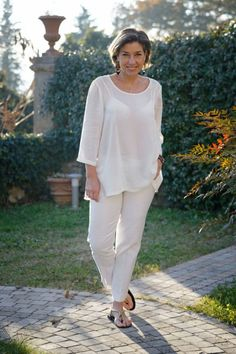 fashion over 60 aging gracefully plus size Hippie Clothes Uk, Hippie Outfits, Mode Outfits, Chic Outfits, Moda Hippie Chic, Fashion Over 40, Fashion Tips, Fashion Trends, Sixties Fashion