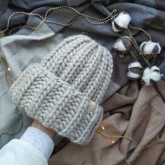 Winter Wear, Winter Hats, Crochet Cap, Winter Looks, Mittens, Knitted Hats, Winter Outfits, Diy And Crafts, Crochet Patterns
