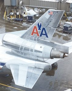 American Airlines McDonnell-Douglas DC-10-30 tail
