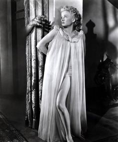 """Carol Ohmart as Annabel Loren in """"House on Haunted Hill"""" Scary Movies, Horror Movies, Classic Hollywood, Old Hollywood, Hollywood Glamour, Hollywood Actresses, Recycled Costumes, House On Haunted Hill, Vincent Price"""