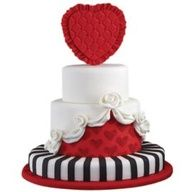 Alice in Wonderland inspiration  Future birthday cake? ;)