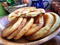 Toto je jeden z našich rodinných kuchynských klenotov. Slovak Recipes, Czech Recipes, Real Food Recipes, Baking Recipes, Food Porn, Modern Food, Good Food, Yummy Food, Bread And Pastries