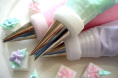 Decorate sugar cubes for a tea party