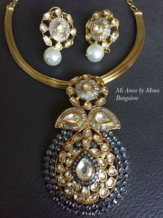 Indian Jewelry Sets, India Jewelry, Pearl Jewelry, Beaded Jewelry, Jewellery, Diamond Necklace Set, Gold Necklace, Diamond Pendant, Gold Earrings Designs