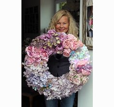 Wreaths And Garlands, Outdoor Wreaths, Front Door Decor, Wreaths For Front Door, Wreath Crafts, Summer Wreath, How To Make Wreaths, Seasonal Decor, Making Ideas