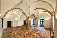 Stromový sál pro Váš banquet. Manor Houses, Palaces, Banquet, Castles, Oversized Mirror, Palace, Chateaus, Banquettes, Castle