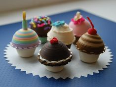 http://www.scrappingturtle.com/newsletter/image/newsletter/May%202011/QuillCupcakes2.jpg