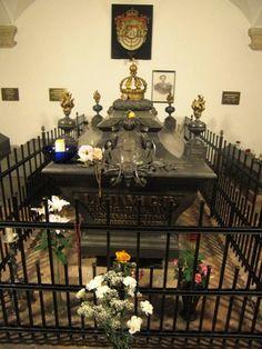 Austria_Germany_August_2012 376-tomb of Ludwig II of Bavaria in the Michaeliskirche,Munich
