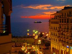 view from Aristotelous Square, Thessaloniki, Greece Dream Vacations, Vacation Spots, Places To Travel, Places To See, Greek Beauty, Paradise On Earth, Greece Travel, Greek Islands, Tourism
