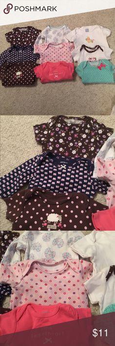 9 baby girl 0/3 month onesie/tee shirt 9 baby girl 0/3 month onesie/tee shirt in nice condition bundle # 232 One Pieces