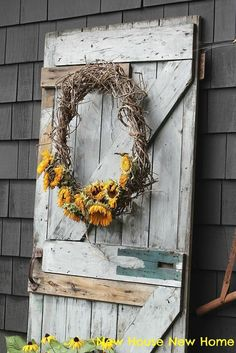 Using Faded Sun Flowers In Fall Decor.... Love This Idea....