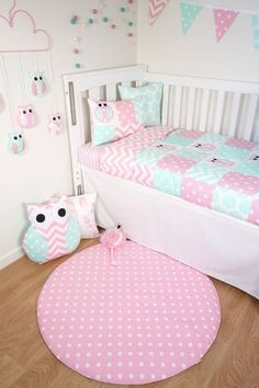 Patchwork quilt nursery set Pink and mint owls Mint от MamaAndCub Owl Nursery, Yellow Nursery, Nursery Room, Baby Bedroom, Baby Room Decor, Owl Baby Blankets, Quilt Set, Baby Girl Quilts, Girl Room