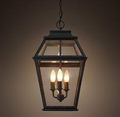 Ideas for lantern pendant lighting entryway front porches Porch Pendant Light, Outdoor Pendant Lighting, Outdoor Light Fixtures, Porch Lighting, Exterior Lighting, Kitchen Lighting, Cottage Lighting, Hall Lighting, Lighting Ideas