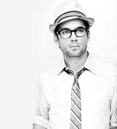 Matt Bomer and his glasses and fedora. Matt Bomer, Beautiful Men, Beautiful People, Pretty People, Gorgeous Guys, Hello Gorgeous, Nerd, Dapper Gentleman, Celebrity Gallery