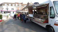 Distribution de cabas écologiques au marché de Thumesnil (21 mars 2013) / Galerie photos / Espace documentaire / Mes démarches / Accueil - Ville de Faches Thumesnil