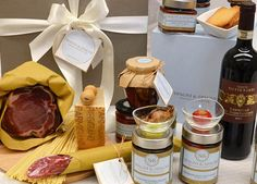 Open this gift, Italian Food Flavors Gift Hamper is an exciting surprise. https://goo.gl/KmqXx0 #ham #salami #wine #cheese #jams #tasty #food #gift #hamper