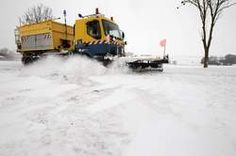 In 29 Franse departementen, waaronder die van de regio Parijs, is 'code oranje' afgekondigd in verband met de sneeuw en ijzel die vandaag en morgen verwacht worden. Op de Parijse luchthavens Roissy en Orly wordt het aantal vluchten verminderd.