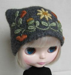 Custom Handmade Felted WOOL HAT for Blythe with Hand Embroidery