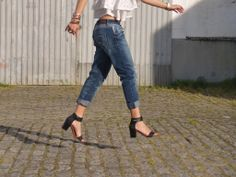 Details | boyfriend jeans | sandals | shoes | jump | look | outfit | street style