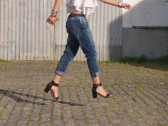 Details | boyfriend jeans | sandals | shoes | jump | look | outfit | street style