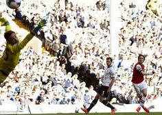 Bàn thắng sớm tuyệt đẹp của Thomas Rosicky chính là nhát kiếm chí mạng duy nhất của đội khách hạ gục Tottenham trong trận derby London vừa k... http://ole.vn/livescore/ket-qua/ngoai-hang-anh_2.html