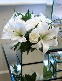 Casablanca Lilies and Roses in Mirrored Vase | RTfact | Artificial Silk Flowers
