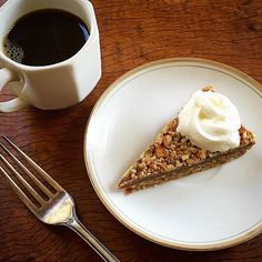 Paleo pecan pie (optionally vegan and raw)