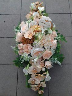 Small Flower Arrangements, Small Flowers, Casket Sprays, Funeral Flowers, Flower Designs, Diy And Crafts, Centerpieces, Floral Wreath, Wedding Decorations