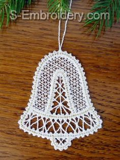A set of 7 Battenberg lace Christmas ornaments. You receive a total of 28 machine embroidery files in free standing lace technique. Lace Christmas Tree, Victorian Christmas Ornaments, Christmas Ornament Sets, Christmas Angels, Christmas Christmas, Christmas Crochet Patterns, Crochet Ornaments, Crochet Snowflakes, Crochet Christmas