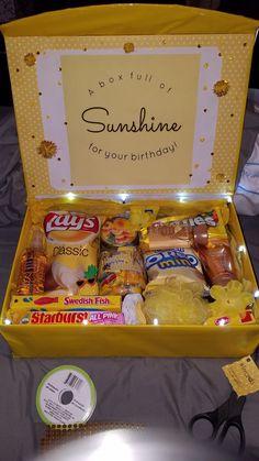 Sunshine light-up Birthday box Gifts bff Birthday gifts Diy Birthday Box, Homemade Birthday Gifts, Cute Birthday Gift, Birthday Gift Baskets, Happy Birthday Gifts, Card Birthday, Birthday Greetings, Best Friend Birthday Gifts, Themed Gift Baskets