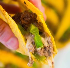 Philly Cheese Steak Tacos are an easy ground beef dinner or party food recipe. These baked tacos are loaded with green peppers, onions and mozzarella cheese. Serve these ground beef tacos at your Super Bowl party. Hamburger Meat Recipes Ground, Ground Beef Recipes Easy, Ground Chicken Casserole, Meatloaf With Gravy, Steak And Rice, Instant Mashed Potatoes, Easy Casserole Recipes, Easy Recipes, Casserole Dishes