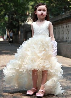 Cute V-Neck Organza Princess Girl Dress Bowknot Hi-Lo Sleeveless Flower Girl Dress Online Girls Dresses Online, Girls Pageant Dresses, Girls Formal Dresses, Pageant Gowns, Dress Online, Prom Dress, Long Dresses, Cute Flower Girl Dresses, Tulle Flower Girl