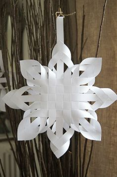 Woven Paper snowflakes DIY Haikaranpesä home.: Three-star day.
